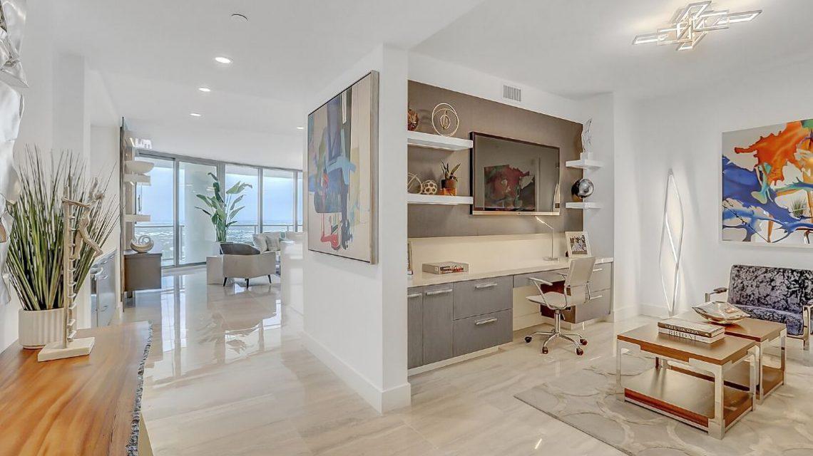 100 Las Olas Residence 2803 Den Office 02