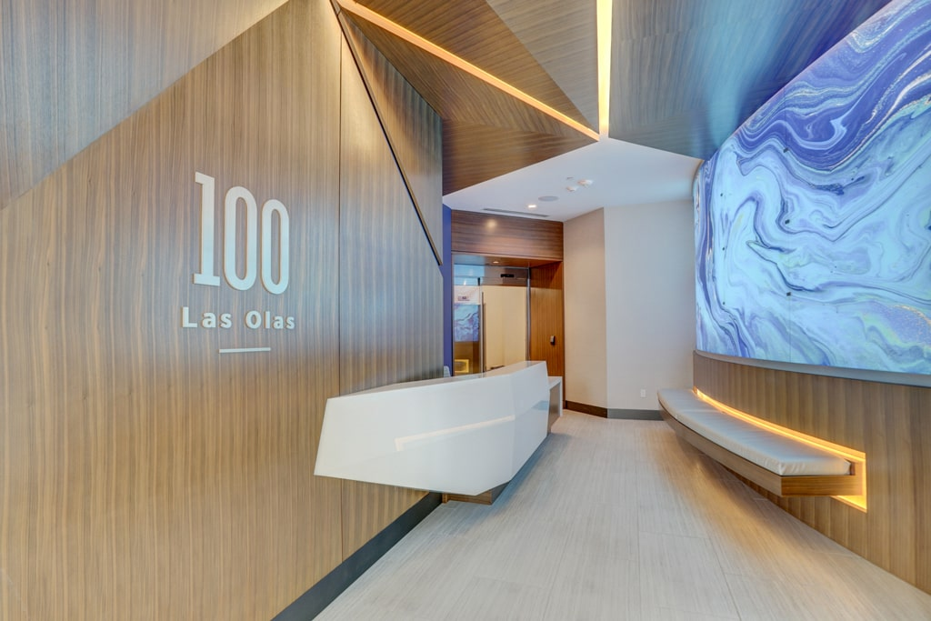 100 Las Olas Entrance