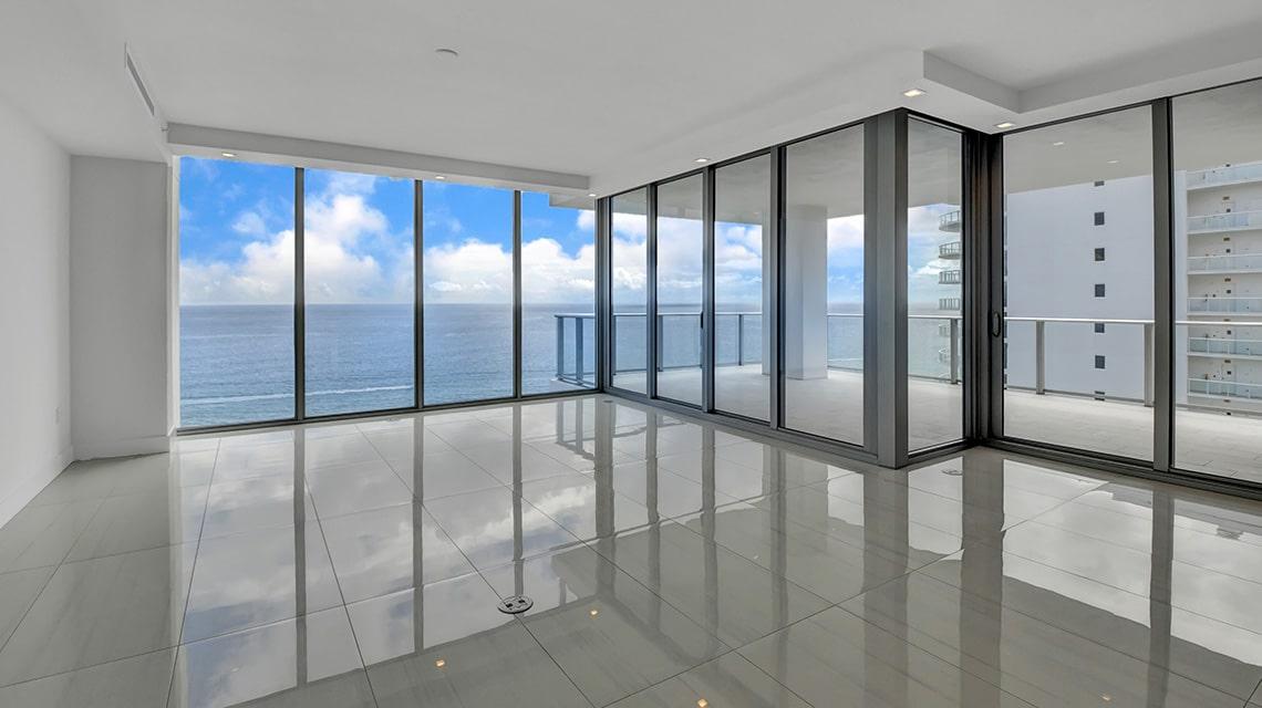 5000 North Ocean Seabreeze 1703 living room