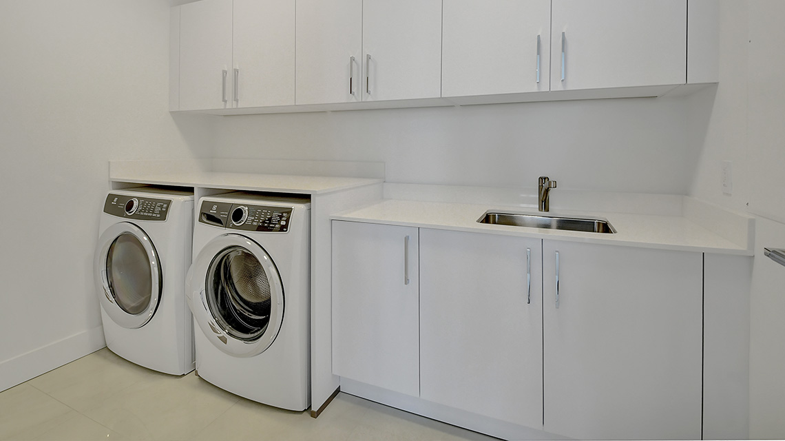 5000 North Ocean Seaglass 1702 laundry room